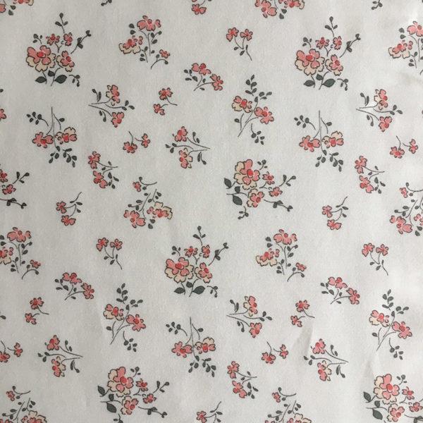 tissu coton fleuri motifs fleurs champetres coloris rose poudré et vert sombre