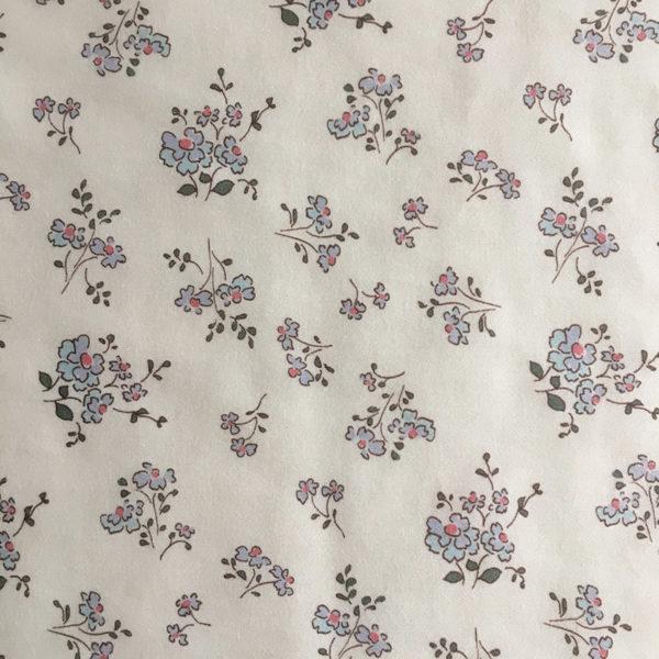 tissu coton fleuri motifs fleurs champetres bleu et vert kaki